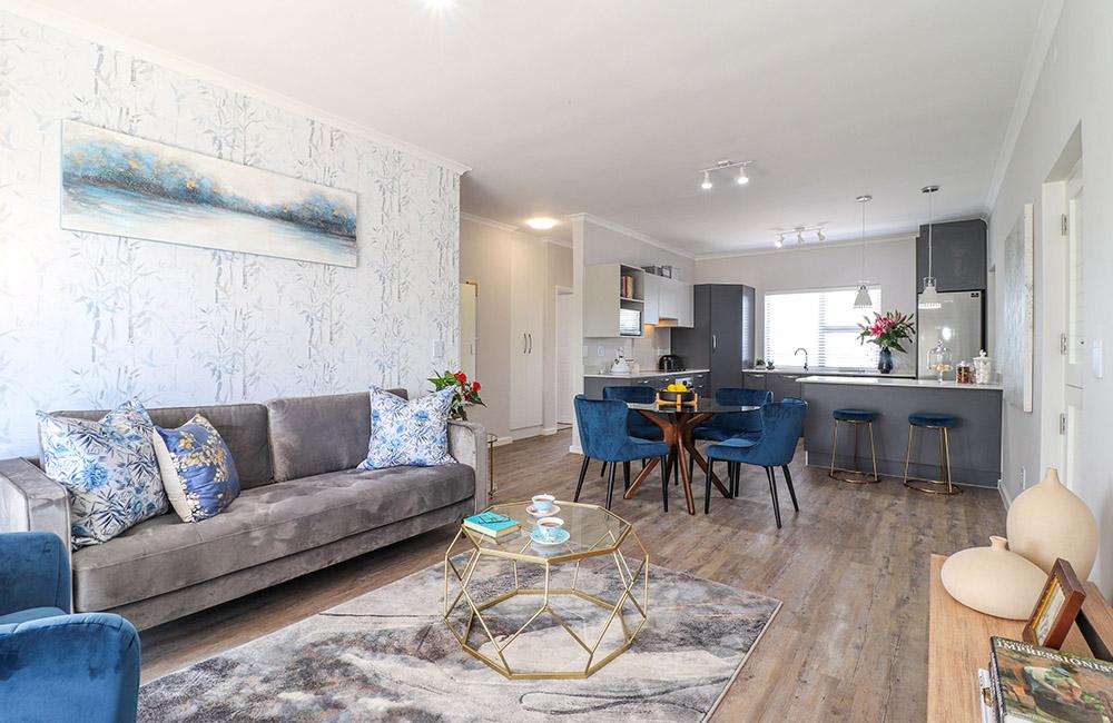 lounge_small