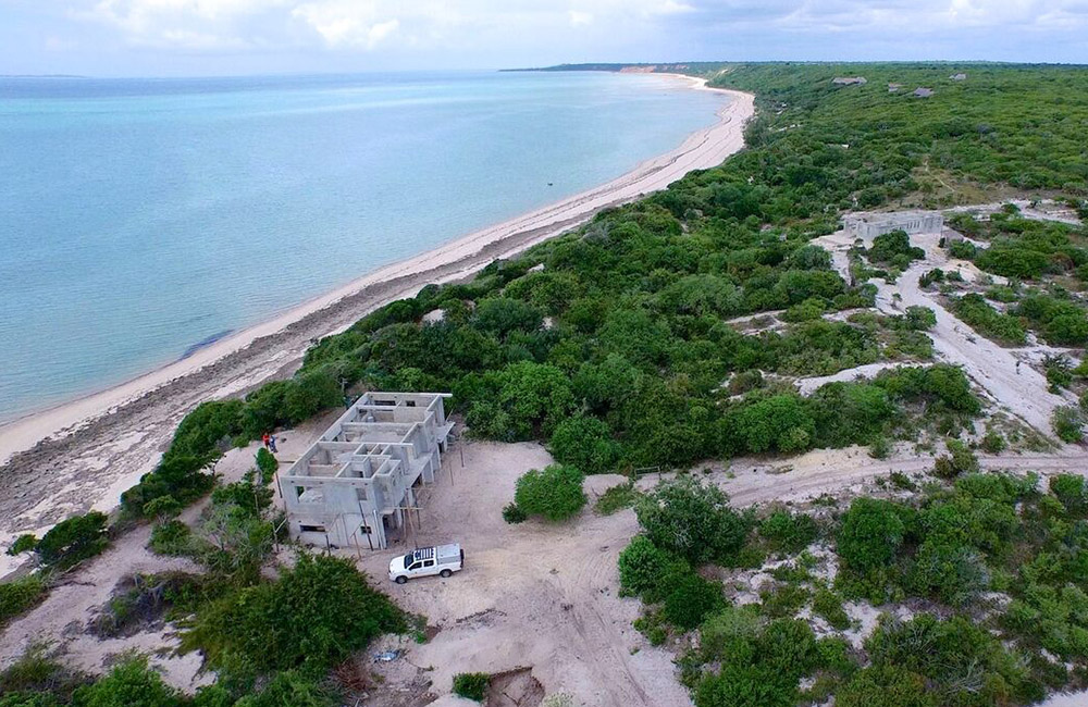 the-bazaruto-island-view-estate-area-mozambique_small