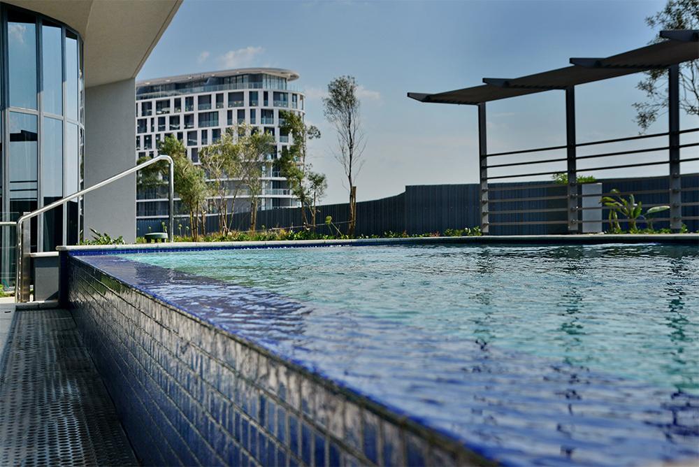 courtyard-hotel-pool-image-2