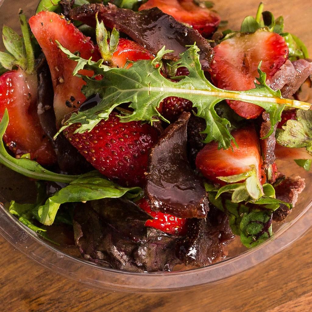 PicnicCompany-Biltong & Strawberry Salad-min