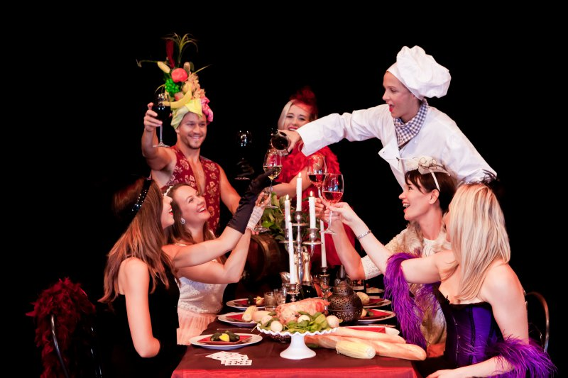 Chef_pouring_wine__1460532252_39442