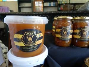 Raw honey-min