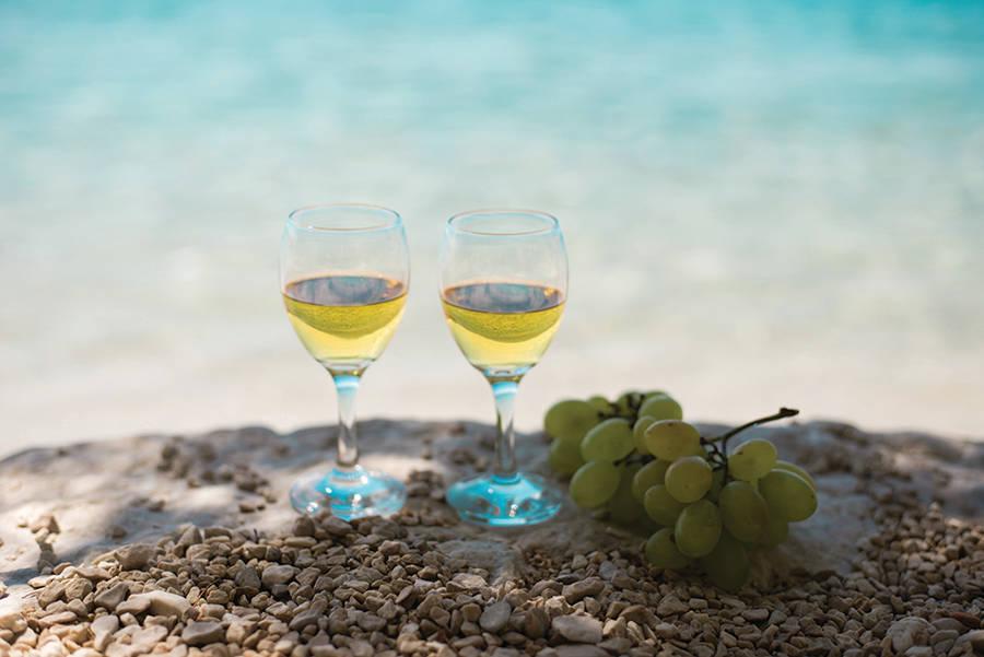 Taste the Sea: White Wines from Coastal Terroir
