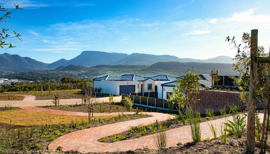 Retire to the Noordhoek Valley