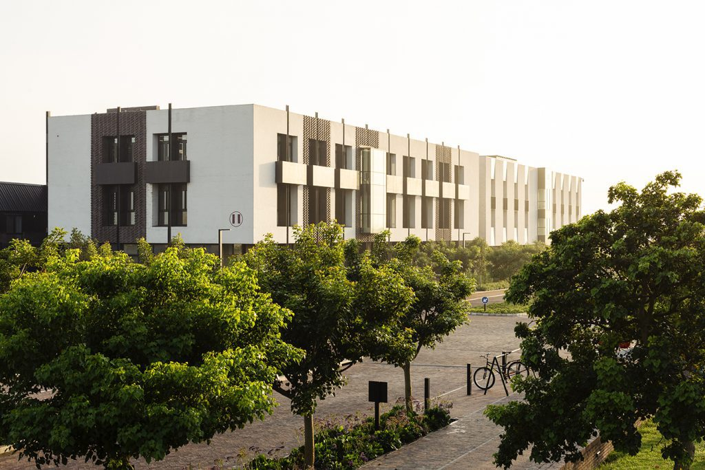 Devonbosch building